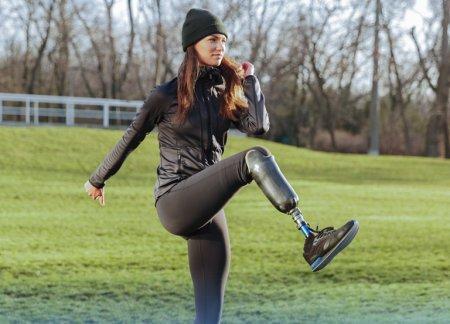 Protezy kończyn dolnych i górnych